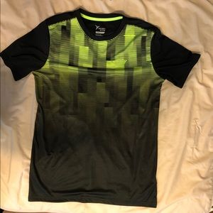 💥Old Navy Active Go Dry T-Shirt💥
